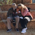 Travis Scott et Kylie Jenner avec leur fille Stormi. Photo publiée sur Instagram le 24 octobre 2018.