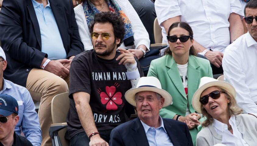 Amir Haddad et son épouse Lital -dans les tribunes des internationaux de France de tennis de Roland-Garros à Paris, France, le 9 juin 2019. © Jacovides-Moreau/Bestimage