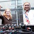 Nathalie Kosciusko-Morizet et David Guetta, à l'occasion de la 28e édition de la fête de la musique, à l'Hôtel de Broglie, le 21 juin 2009 !