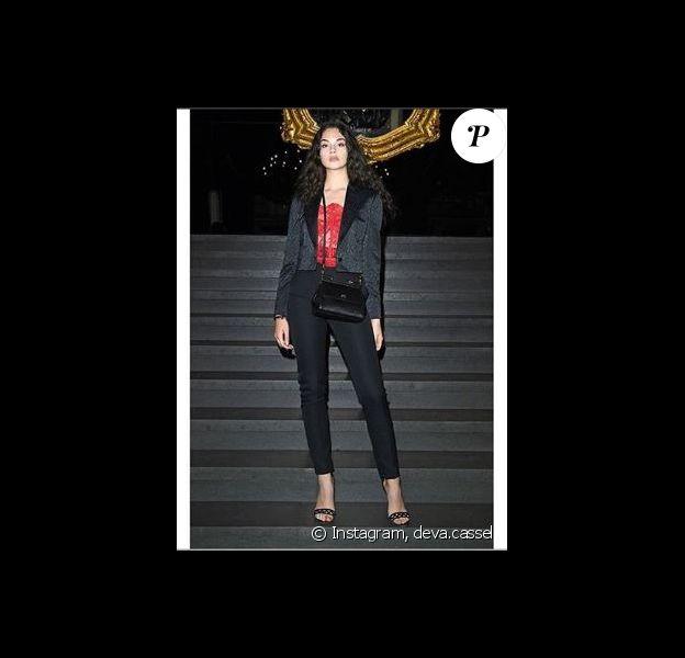 Deva cassel pose en dentelle rouge sur son compte Instagram le 16 juin 2019.