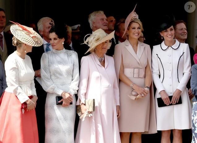 """La comtesse Sophie de Wessex, la reine Letizia d'Espagne, la duchesse Camilla de Cornouailles, la reine Maxima des Pays-Bas et la duchesse Catherine de Cambridge le 17 juin 2019 au château de Windsor lors des cérémonies de l'ordre de la Jarretière, qui compte le roi Felipe VI d'Espagne et le roi Willem-Alexander des Pays-Bas comme nouveaux chevaliers """"étrangers"""" (surnuméraires)."""
