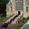 """La princesse Anne, le prince Andrew, le prince Edward, la roi Felipe VI d'Espagne et le roi Willem-Alexander des Pays-Bas le 17 juin 2019 arrivant à la chapelle Saint-Georges au château de Windsor lors des cérémonies de l'ordre de la Jarretière, qui compte le roi Felipe VI d'Espagne et le roi Willem-Alexander des Pays-Bas comme nouveaux chevaliers """"étrangers"""" (surnuméraires)."""