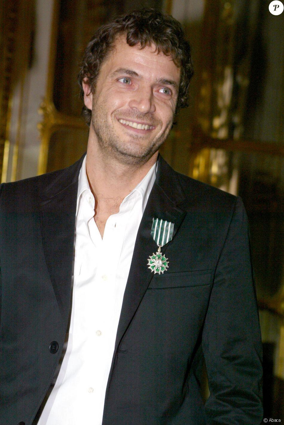 Philippe Zdar le 7 février 2005 lors de sa remise de la médaille de Chevalier des arts et des lettres