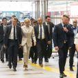 Le président de la République française Emmanuel Macron et sa femme la Première Dame Brigitte Macron arrivent à la gare de Tokyo pour prendre le Shinkansen, le train à grande vitesse japonais, à destination de Kyoto, Japon, le 27 juin 2019. © Jacques Witt/Pool/Bestimage