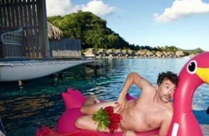Stéphane Plaza tout nu à Tahiti : il lance un défi osé aux Français !