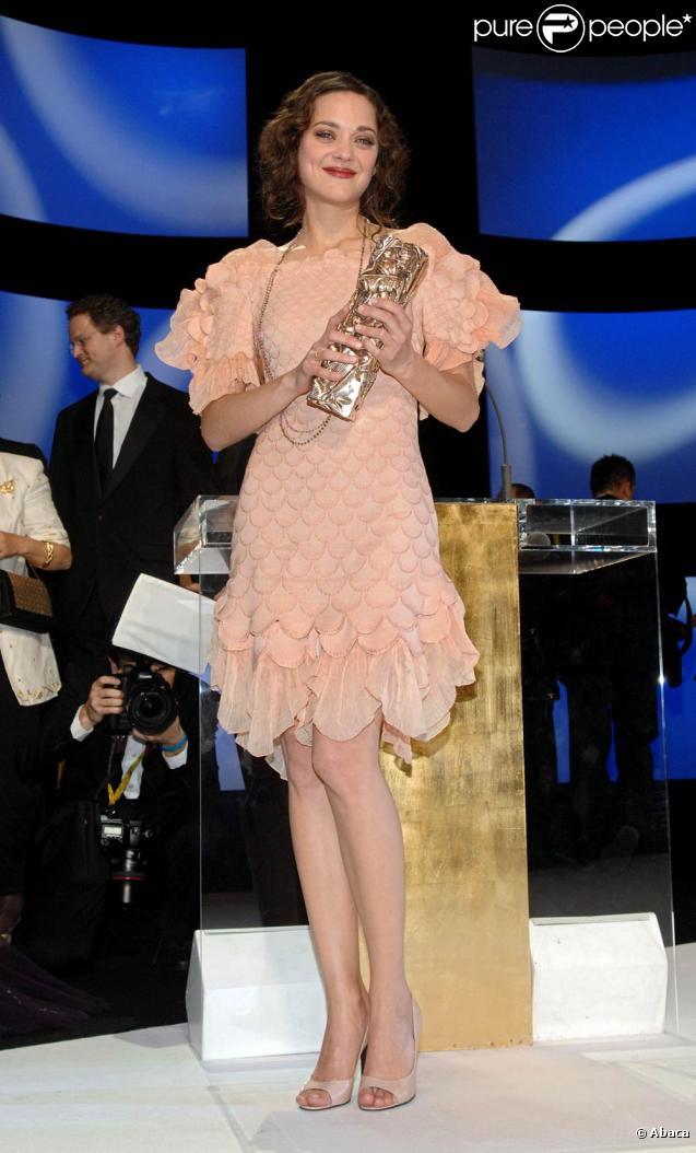 marion cotillard remporte un c sar f vrier 2008. Black Bedroom Furniture Sets. Home Design Ideas