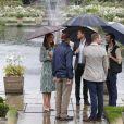 Le prince William, le prince Harry et la duchesse Catherine de Cambridge le 30 août 2017 au Sunken Garden dédié à la mémoire de Lady Diana au palais de Kensington à Londres le 30 août 2017.