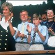 Lady Diana et le prince William en juin 1994 à Wimbledon lors de la finale dames.