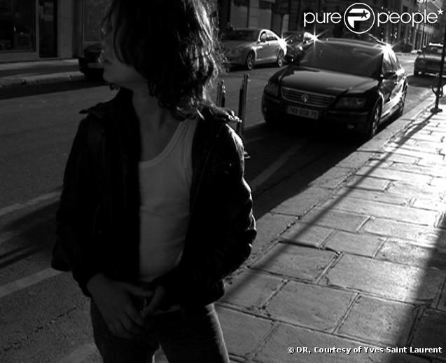 Jules, le fils de Samuel Benchetrit et Marie Trintignant dans le court-métrage pour Yves Saint Laurent