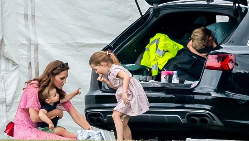 Catherine (Kate) Middleton, duchesse de Cambridge avec ses enfants, le prince George de Cambridge, la princesse Charlotte de Cambridge et le prince Louis de Cambridge lors d'un match de polo de bienfaisance King Power Royal Charity Polo Day à Wokinghan, comté de Berkshire, Royaume Uni, le 10 juillet 2019.
