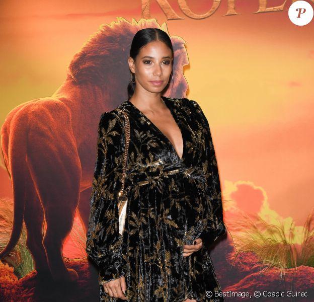 """Hajiba Fahmy enceinte à la projection exceptionnelle du nouveau Disney """"Le Roi Lion"""" au Grand Rex à Paris le 11 juillet 2019. © Coadic Guirec/Bestimage"""