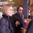 Lara Fabian et son mari Gabriel, filmés au marché à Montréal pour le magazine de TF1 50' Inside, diffusé le 27 juillet 2019.