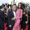 """Arnaud Lagardère et sa femme Jade Foret - Montée des marches du film """"Les Proies"""" (The Beguiled) lors du 70ème Festival International du Film de Cannes. Le 24 mai 2017. © Borde-Jacovides-Moreau/Bestimage"""