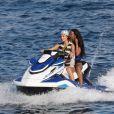 Gigi, Bella Hadid et leurs amis profitent d'un après-midi ensoleillé à Mykonos en Grèce le 30 juillet 2019.