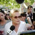 Muriel Robin participe au rassemblement contre les violences faites aux femmes, Place de la République à Paris. Le 6 juillet 2019 © Stephen Caillet / Panoramic / Bestimage