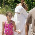 La plage à Miami c'est très agréable quand on est en maillot de bain comme Lourdes, par contre en mômie c'est pas terrible, n'est-ce pas Madonna ?!
