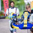 Le prince Carl Philip de Suède, qui s'est temporairement retiré du monde des courses automobiles, a pu disputer une course amicale lors de l'Open de karting de Lidköping le 3 août 2019.