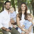 Le prince Carl Philip de Suède et la princesse Sofia avec leurs fils le prince Gabriel et le prince Alexander, été 2018. ©Anna-Lena Ahlström/Cour royale de Suède