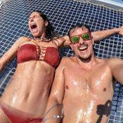 Laury Thilleman : Amoureuse en bikini, elle s'éclate en vacances