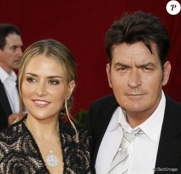 Brooke Mueller et Charlie Sheen - Arrivée aux 61e Emmy Awards, Los Angeles, le 20 septembre 2009.