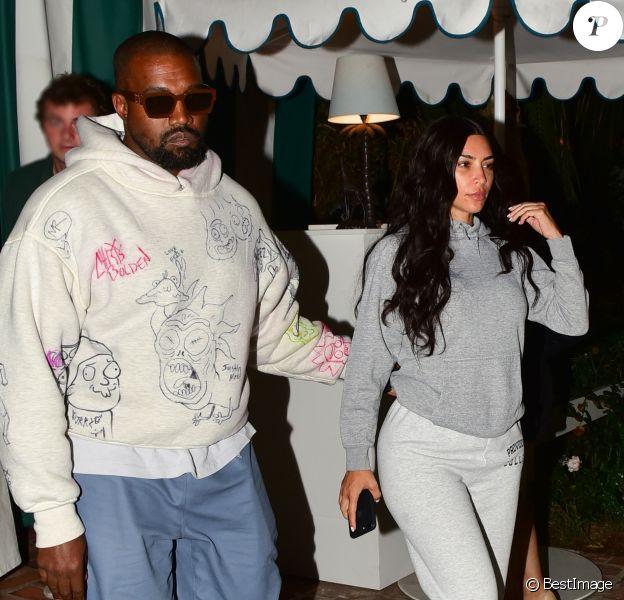 Exclusif - Kim Kardashian (sans maquillage) et son mari Kanye West à la sortie d'un dîner au restaurant Bungalow à Santa Monica le 18 août 2019.
