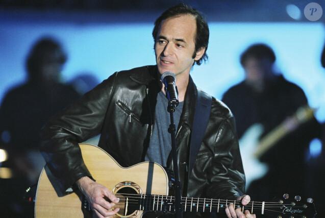 Archive - Exclusif - Jean-Jacques Goldman lors d'une emission spéciale Céline Dion sur TF1 le 12 novembre 2004. © Patrick Carpentier / Bestimage12/11/2004 - PARIS