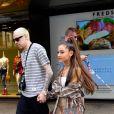 Ariana Grande et son fiancé Pete Davidson sont allés faire du shopping chez Barney's à New York, le 16 juillet 2018