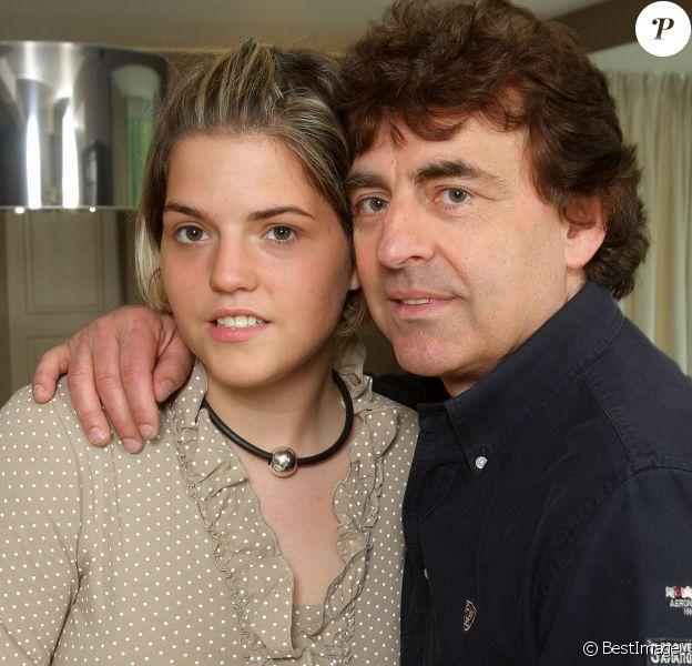 Claude Barzotti et sa fille Sarah - Portrait du chanteur Claude Barzotti à Bruxelles le 15 juin 2016.