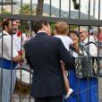 """Christian Estrosi avec sa fille Bianca et son épouse Laura Tenoudji arrivant pour """"Lou Festin Nissart"""", le grand banquet populaire organisé dans le jardin Albert 1er à Nice par l'association des Amis du Maire, le 30 août 2019. © Bruno Bebert / Bestimage"""
