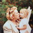 Gigi Hadid et sa grand-mère, Ans van den Herik. Photo publiée le 31 août 2019.