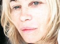 Emmanuelle Béart s'affiche sans maquillage en Grèce : Ses fans conquis