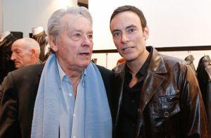 Anthony Delon, l'aîné en renfort : visite à son père, convalescent en Suisse