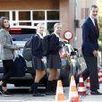 La reine Letizia d'Espagne et le roi Felipe VI ont accompagné leurs filles la princesse Leonor des Asturies et l'infante Sofia d'Espagne le 11 septembre 2019 pour leur rentrée des classes au collège Santa Maria de los Rosales à Madrid.