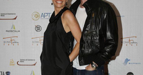 Eric Dane Pose Avec Sa Belle Rebbeca Gayheart... Mais Ne
