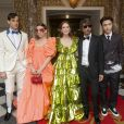 "Mark Ronson, Lykke Li, Julianne Moore, Pierpaolo Piccioli, Lay Zhang quittent The Pierre Hotel pour se rendre au 71e Met Gala ""Camp: Notes on Fashion"", à New York, le 6 mai 2019."