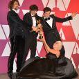 """Andrew Wyatt, Anthony Rossomando, Lady Gaga, Mark Ronson fêtant l'Oscar de la meilleure chanson originale pour """"Shallow"""" dans le film """"A Star is Born"""" lors de la 91ème cérémonie des Oscars au théâtre Dolby à Los Angeles, le 24 février 2019."""