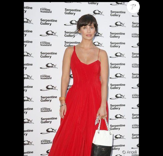 Natalie Imbruglia à la Summer Party de la Serpentine Gallery, à Londres. 09/07/09