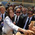Carla Bruni visite L'Aquila et va à la rencontre des rescapés victimes du séisme, en avril dernier. 10/07/09