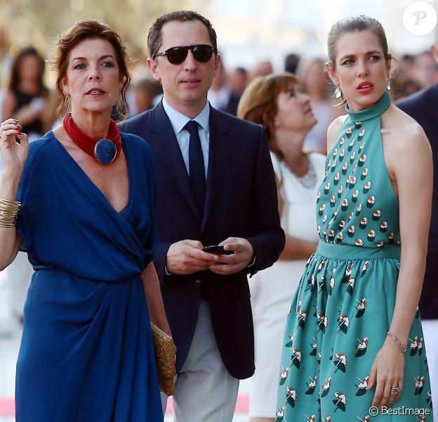 La princesse Caroline de Hanovre, Gad Elmaleh et sa compagne Charlotte Casiraghi arrivant à la soirée pour l'inauguration du nouveau Yacht Club de Monaco, Port Hercule, le 20 juin 2014.