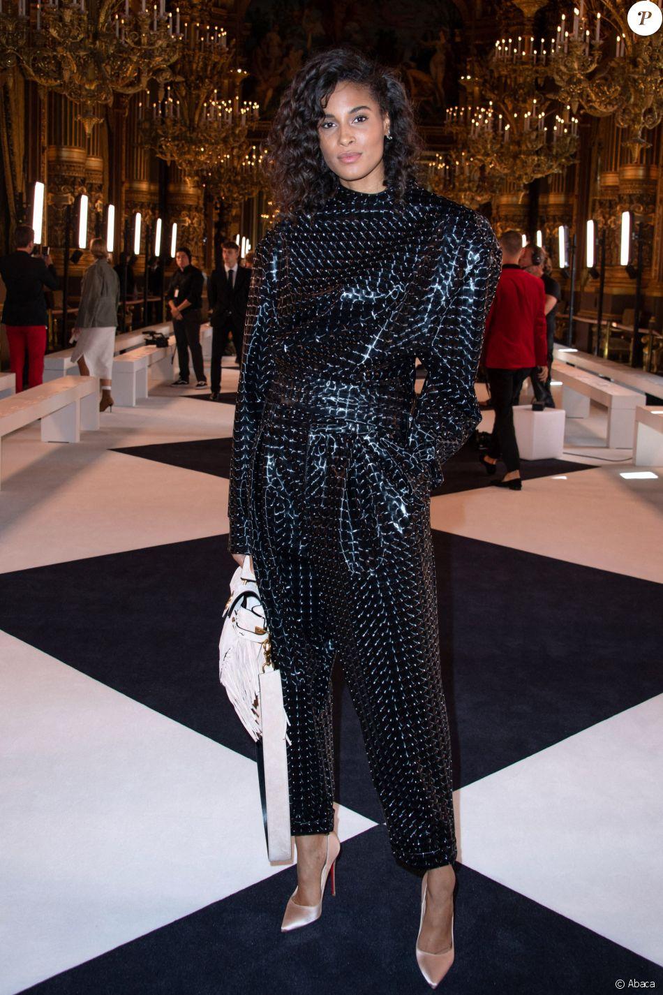 watch best prices shades of Cindy Bruna assiste au défilé Balmain, collection prêt-à ...