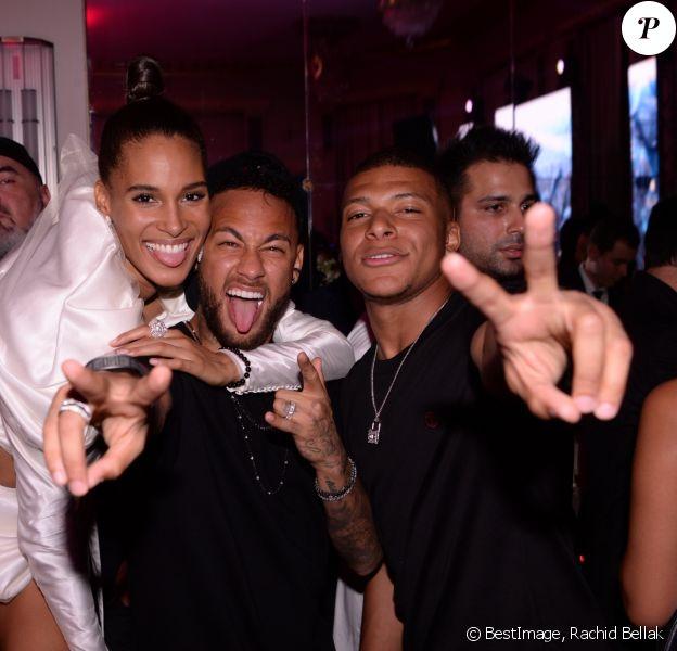 """Cindy Bruna fête ses 25 ans avec Neymar Jr et Kylian Mbappé au Lutetia """"Pop Up"""" Club. La soirée a été organisée par Five Eyes Production. Paris, le 28 septembre 2019. © Rachid Bellak / Bestimage"""