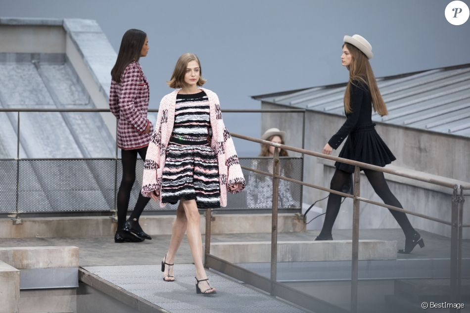 Defile De Mode Chanel Collection Pap Printemps Ete 2020 Au