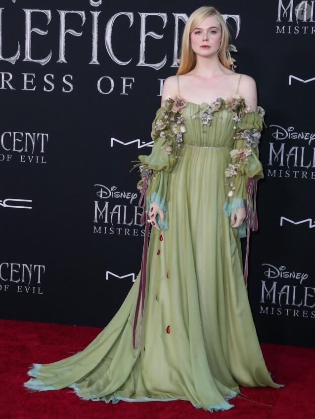 """Elle Fanning - Photocall lors de la première du film """"Maléfique : Le Pouvoir du mal"""" au cinéma El Capitan à Hollywood le 30 septembre 2019."""