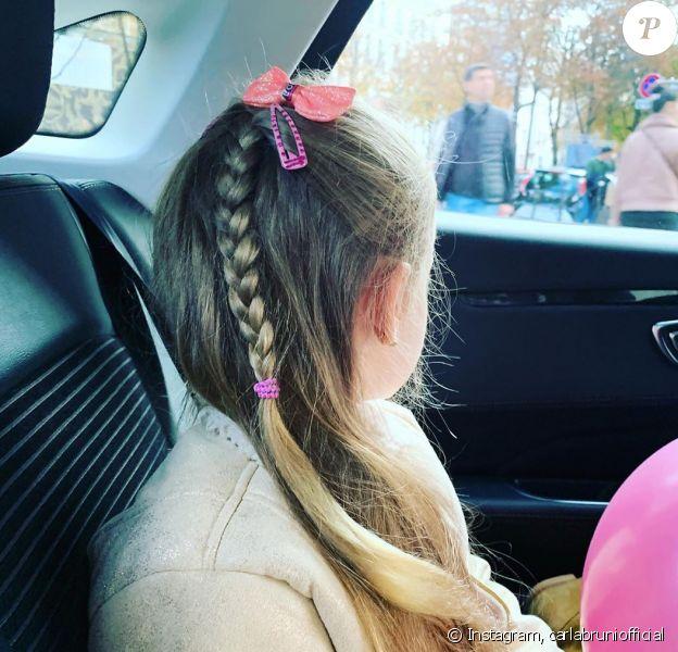 Carla Bruni dévoile sa fille, Giulia, sur Instagram. Photo publiée pour les 6 ans de la fillette, le 19 octobre 2019.