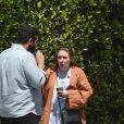 Exclusif - Lena Dunham est allée boire un café avec un mystérieux inconnu à Los Angeles, le 4 mai 2019