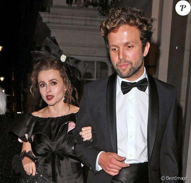 Helena Bonham Carter, son compagnon Rye Dag Holmbon et sa mère Elena Propper de Callejon - Les célébrités arrivent à la soirée 'The Harper's Bazaar Women Of The Year Awards' à l'hôtel Claridge's à Londres, le 29 octobre 2019.