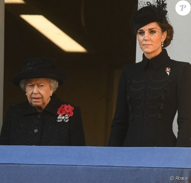 Camilla Parker-Bowles, Elizabeth II et Kate Middleton - La famille royale réunie pour le Remembrance Sunday Service, au Cénotaphe de Londres, le 10 novembre 2019.