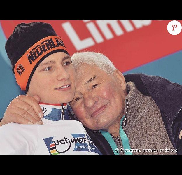 Mathieu der Van Poel a publié une photo avec son grand-père Raymond Poulidor sur Instagram le 13 novembre 2019. L'ancien cycliste est décédé à l'âge de 83 ans.