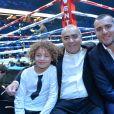 Louis Acariès avec Sébastien Acariès et son fils lors du gala de boxe Univent à l'AccorHotels Arena de Paris pour le championnat du monde WBA le 15 novembre 2019. © Veeren / Bestimage