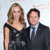 Michael J. Fox soutenu par sa femme Tracy au gala de sa fondation